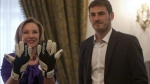 Casillas regal sus guantes a Primera Dama de Chile