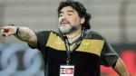 Multan a Maradona por insultar a DT rival