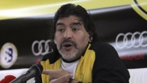 Diego Maradona le dio con palo a Cristiano Ronaldo