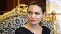 Angelina Jolie podra tener Hepatitis C