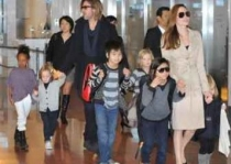 Brad Pitt y Angelina Jolie vacacionan en playas caribeas