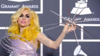 Lady Gaga suspende conciertos por lesin