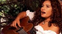 Tania Libertad: &quot;Me gustara cantar con Juan Diego&quot;