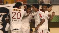 Universitario recibe a Inti Gas en el Monumental